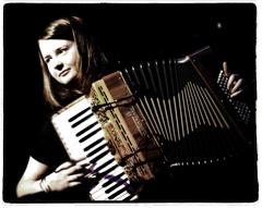 Mairearad Green – Akkordeonistin und Komponistin aus Glasgow